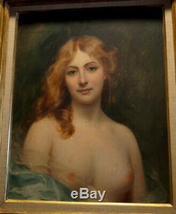 Magnifique portrait de femme aux seins nus huile sur panneau de bois